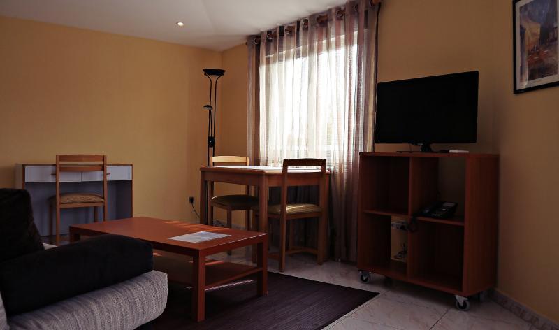 Casablanca: Apartamento terraza, holiday rental in Encinas de Abajo