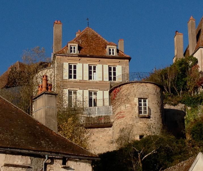 La Maison Févret - Bed & breakfast, holiday rental in Semur-en-Auxois