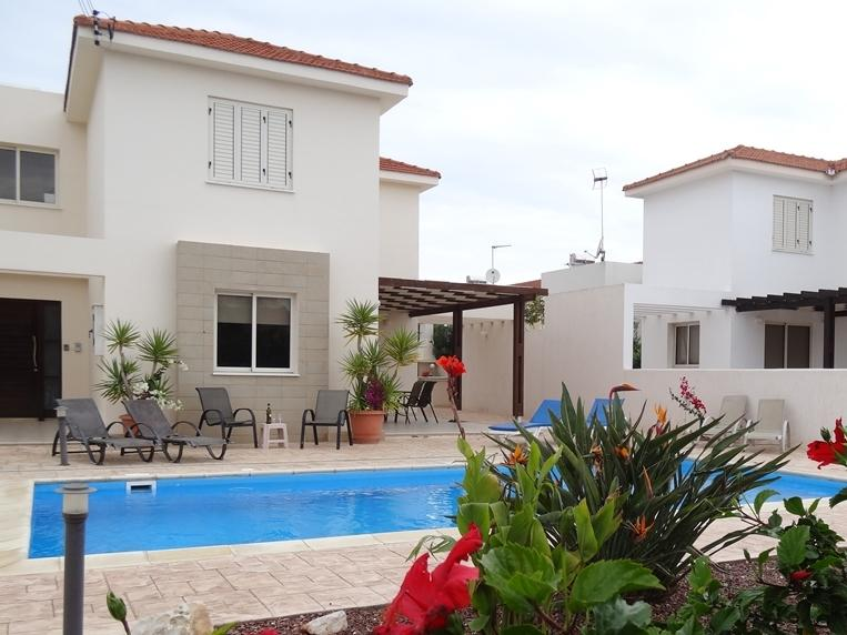 A gorgeous villa with fantastic pool. Relax and Enjoy sunshine all day