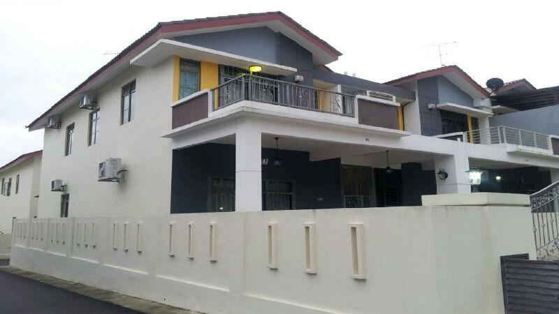 Comfortable corner double storey house, it only 4 years old, full air conditioning.