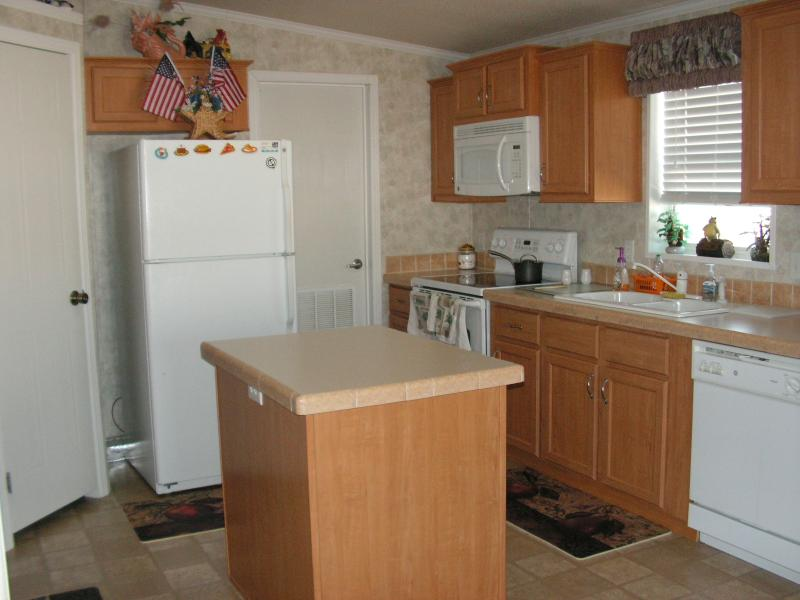 All electric home/all electric kitchen with all the amenities.