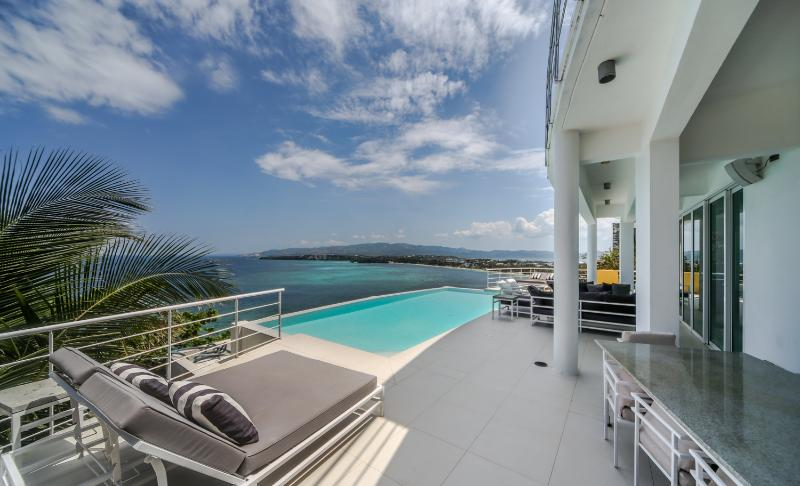 An amazing view from the terrace of Miami White Villa