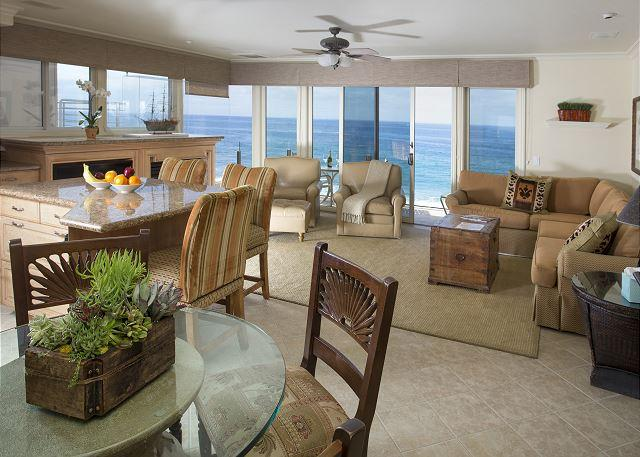 OCEANFRONT at it best. Best sunsets in fall., vacation rental in Laguna Beach