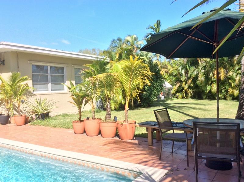 Lovely South Miami/Coral Gables area home w/pool, holiday rental in Olympia Heights