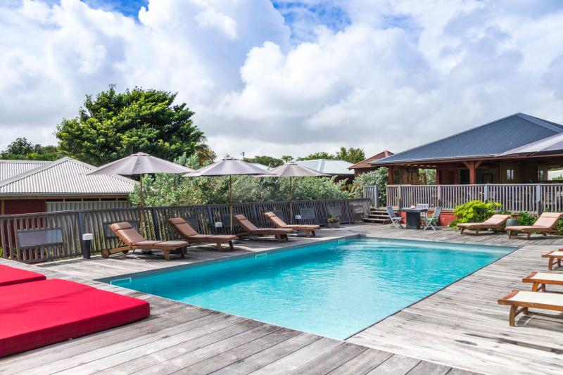 Roucou // Shambala Lodge, location de vacances à Le Moule