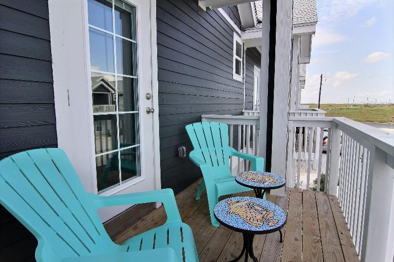 BB's Beach Getaway:Walk To Beach, Deep Cleaned, Roomy, Amenities Provided, vacation rental in Corpus Christi