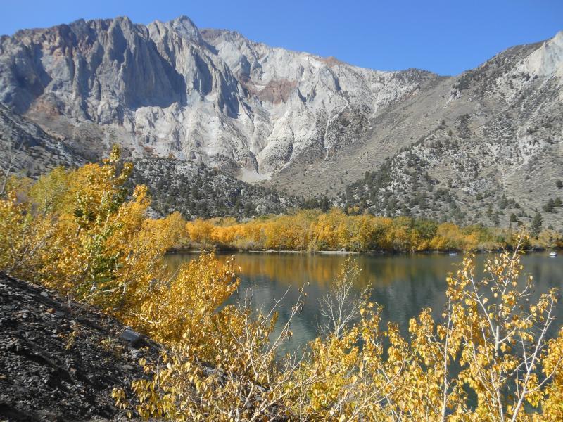 Convict lake in Fall