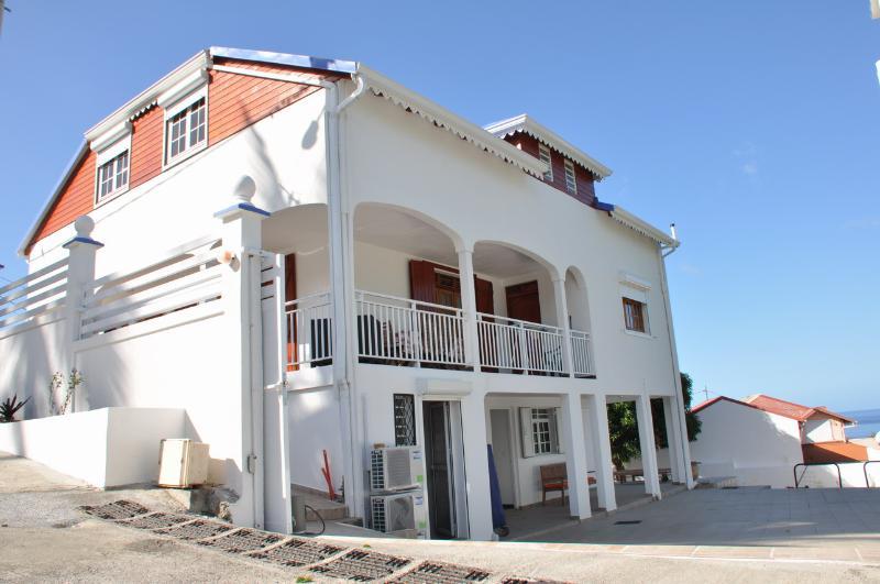 Location tout confort en Basse terre, alquiler de vacaciones en Vieux-Habitants
