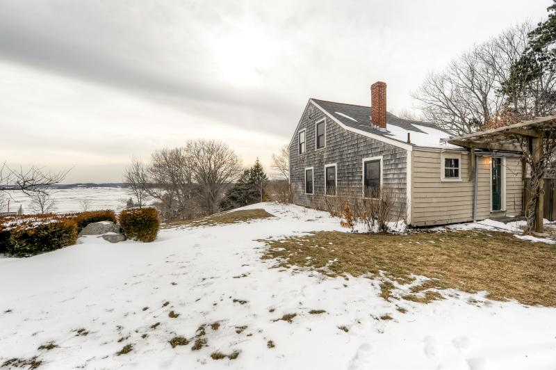 Come see what this Ipswich vacation rental house has in store for you!