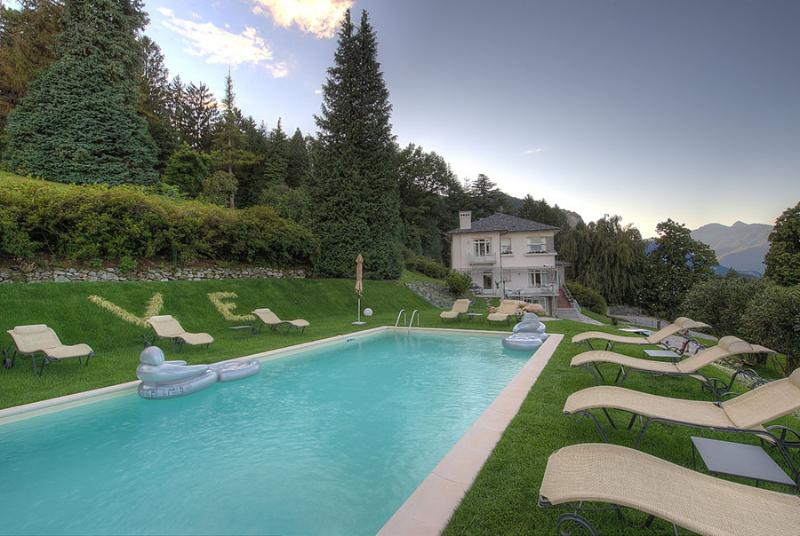Villa Bianca If rented with 5 bedrooms, vacation rental in Campino