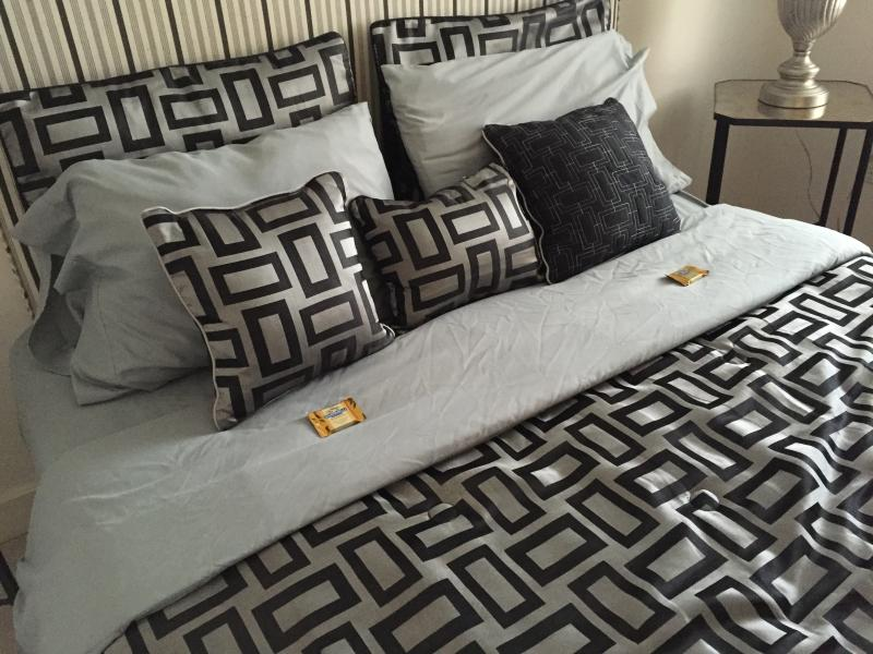 Chocolates on your pillow! Sweet dreams!