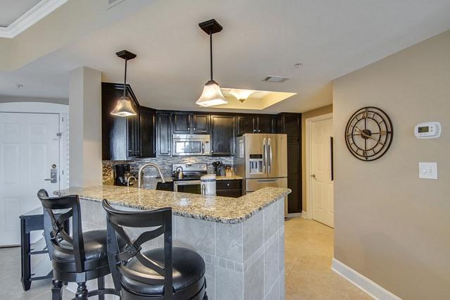 Granite Bar top Open to Kitchen