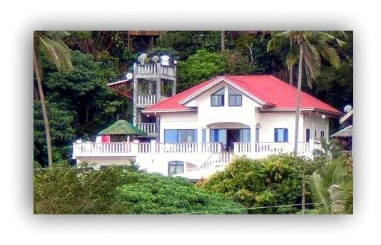 White House, Puerto Galera (Small Tabinay) High Standard and top Service. Wifi-internet free.