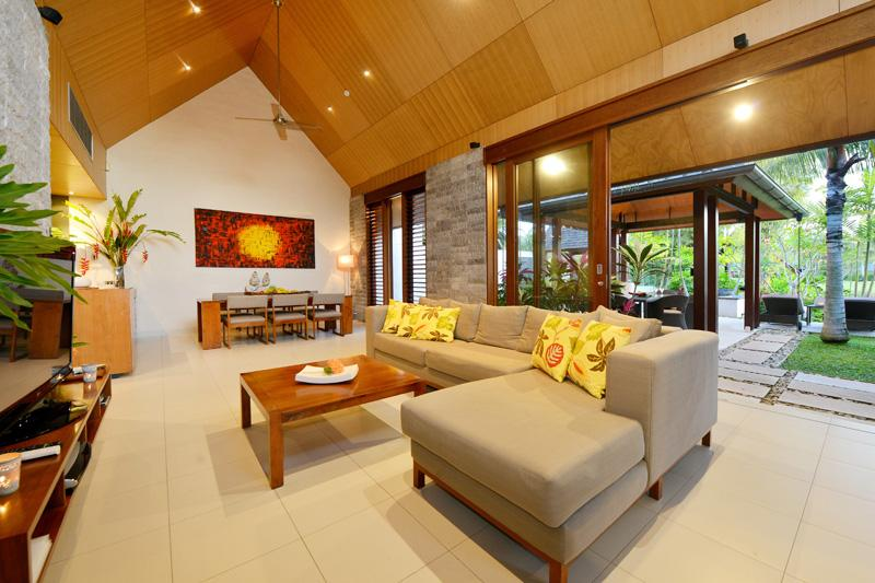 Lounge - Indoor Outdoor Tropical living.