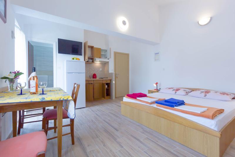 Villa Drago 3 person, location de vacances à Marina