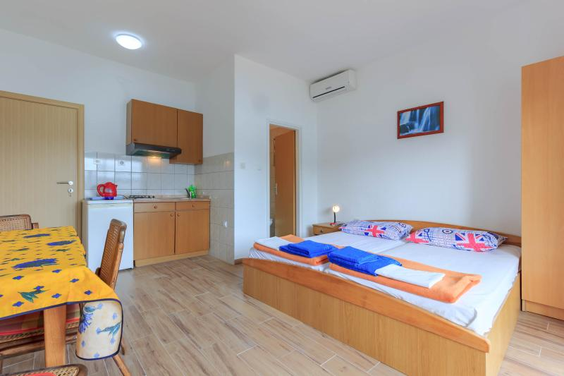 Villa Drago 2 person, location de vacances à Marina