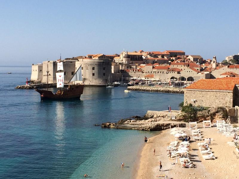 OLD TOWN DUBROVNIK AND BEACH BANJE