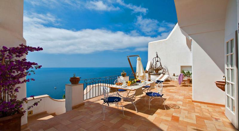 02 Villa Gina private terrace