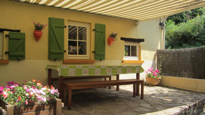 Location de vacances, vacation rental in Saint-Saud-Lacoussiere