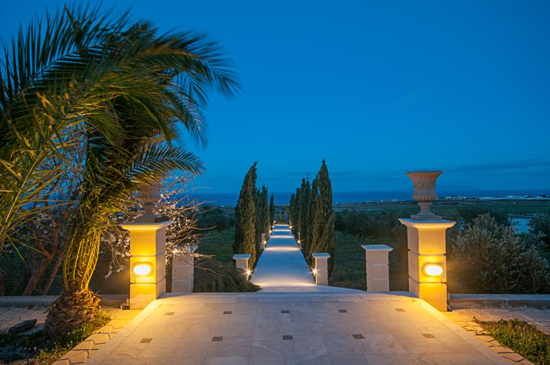 Leon Villa Santorini exterior sea view