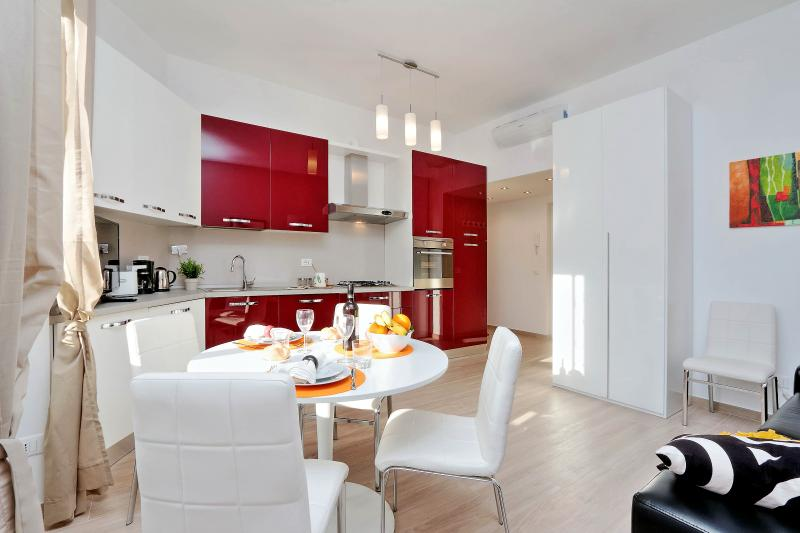 Rome Vacation Rentals Tasso - Fully equipped Kitchen