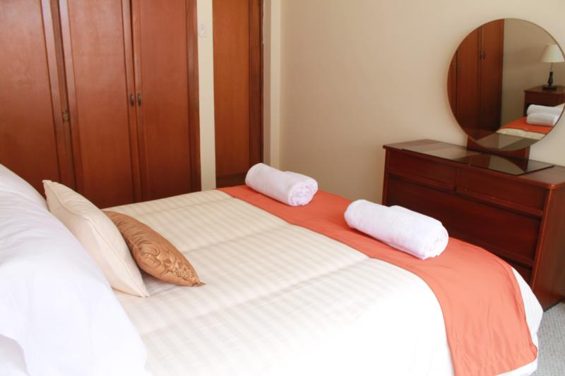 Comfortable Room in Quito/Shared Bathroom, vacation rental in Quito