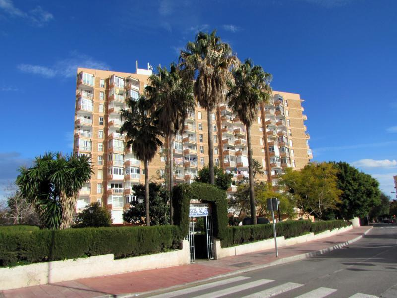 Acuario Appts, Benalmadena, 1 Bedroom apartment, holiday rental in Benalmadena