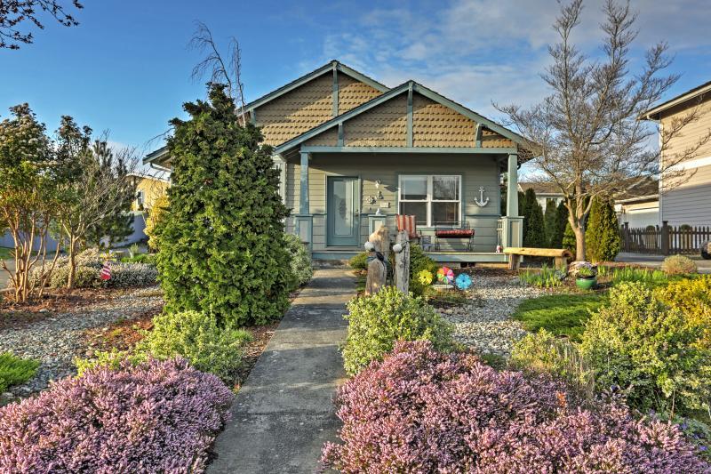 Unwind at this fantastic 2-bedroom, 2-bath Birch Bay vacation rental home!