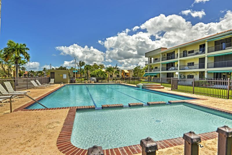 2BR Rio Grande Condo w/Balcony & Ocean Views!, vacation rental in Rio Grande