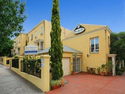 Moonee Valley Views 3 Bedroom Townhouse, casa vacanza a Tullamarine