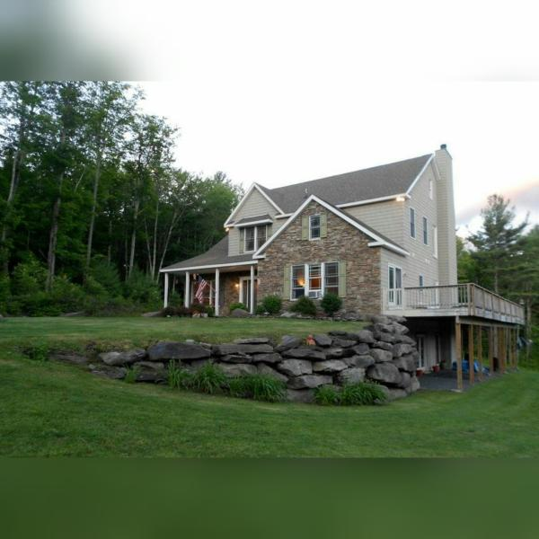 Catskill Mountainside Retreat, alquiler de vacaciones en Shandaken