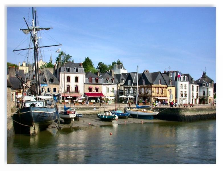 Picturesque port at Auray, this historic town has a fantastic market!