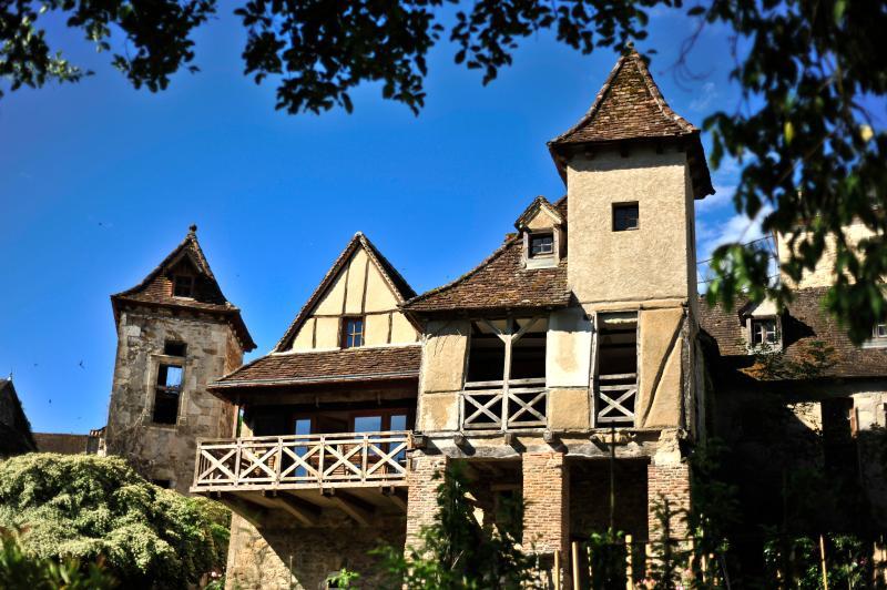 Facade regardant la Dordogne