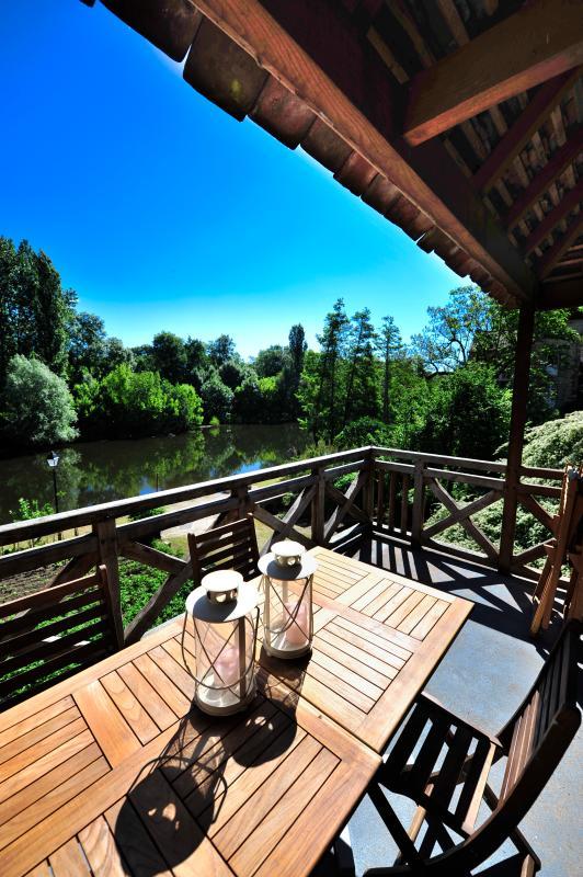 Vue sur la Dordogne du balcon du gîte
