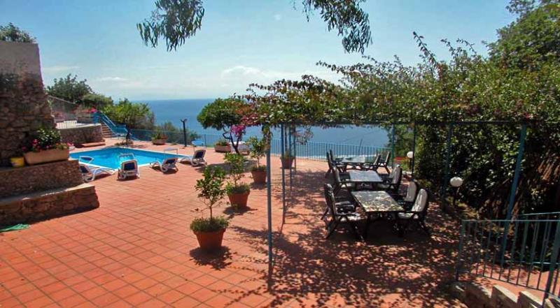 VILLA BLU Vettica/Amalfi - Amalfi Coast, holiday rental in Amalfi