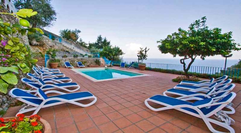 24 Villa Blu pool area