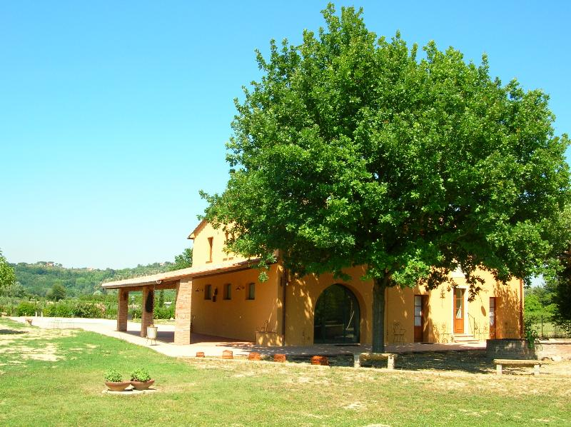 Appartamento Quercia: relax in Tuscany, vacation rental in Ponsacco