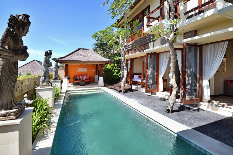 1-3 Bed Villa Lidwina Uluwatu, vacation rental in Nusa Dua Peninsula