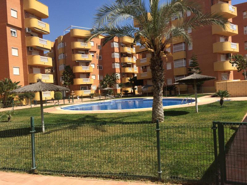 Ático en urbanización con piscina – semesterbostad i Puerto de Mazarron