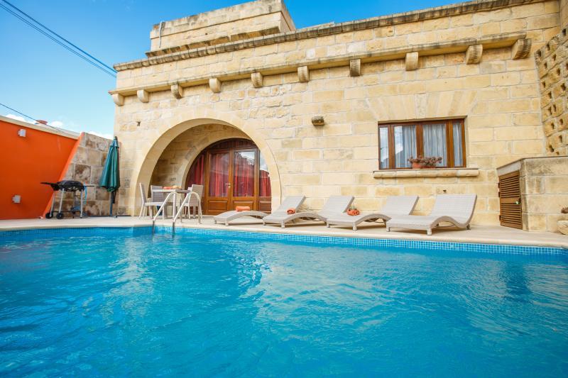 Ta' Monterra Farmhouse, holiday rental in Island of Gozo