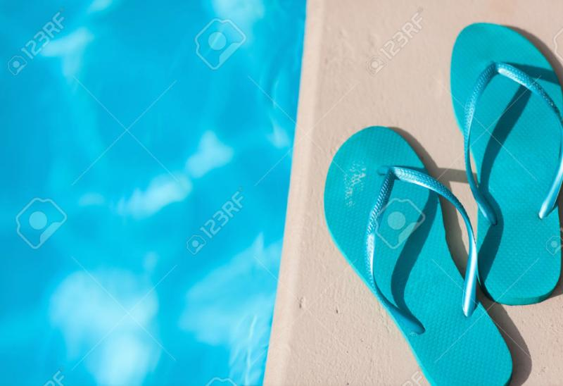 A brand new swimming pool with saltwater cleaning. The pool measures 8,5 meters 2,3/3,0 meters.