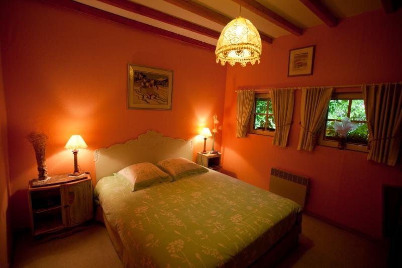 La Gran'Porte Chambre d'hôtes, vacation rental in Maizieres
