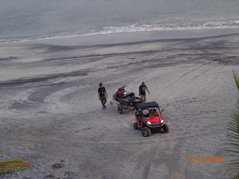 Beach Fun- 4x4 Mules 7 Sea-Doos !