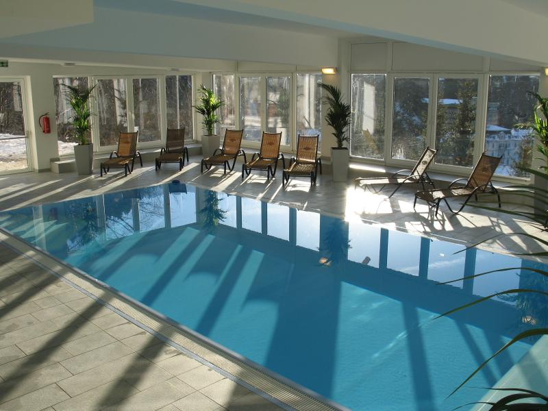 Free Heated pool!