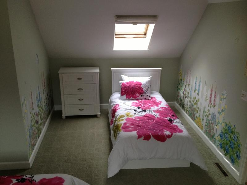 Twin Beds-Hand Painted Beautiful Flower Wall Mural in the'Roger Rabbit Room'