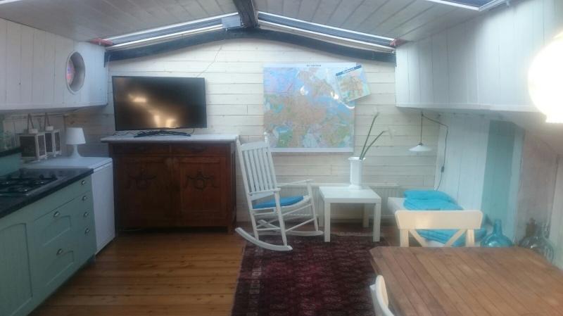 Houseboat Avontuur Living area