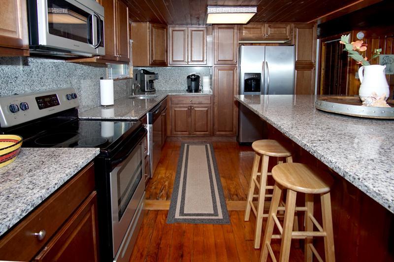 Oven,Indoors,Kitchen,Room,Hardwood