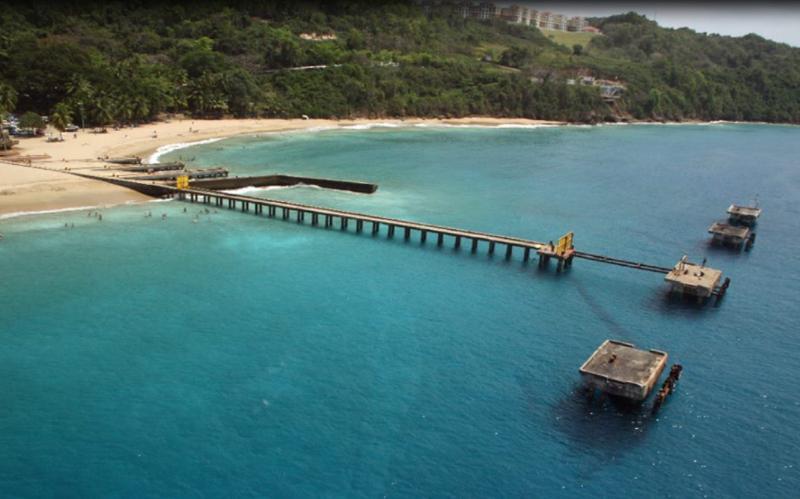 Crash Boat Beach - 5 minutes walk distance