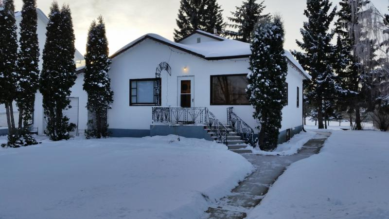 Home Near Redberry Lake and Bio Reserve, vacation rental in Battleford