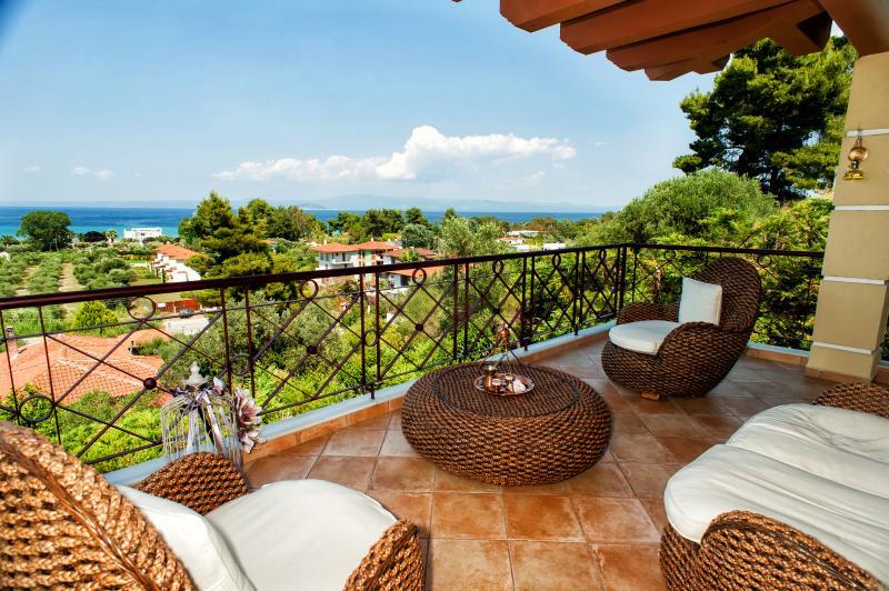 Villa Pefkohori, holiday rental in Loutra